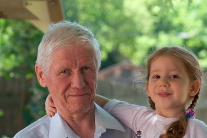 הצעת חוק זכות הקטין לקשר עם קרוביו סבתות וסבים 2010 - הצעת חוק מטעם ארגון משפחה חדשה לאפשר קשר בין סבים לנכדים